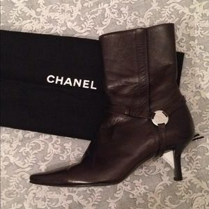 Auth CHANEL Brown Leather Pointed Toe Heeled Boots